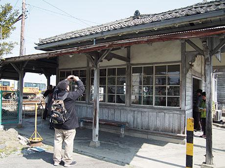 上高地線・新村駅旧駅舎